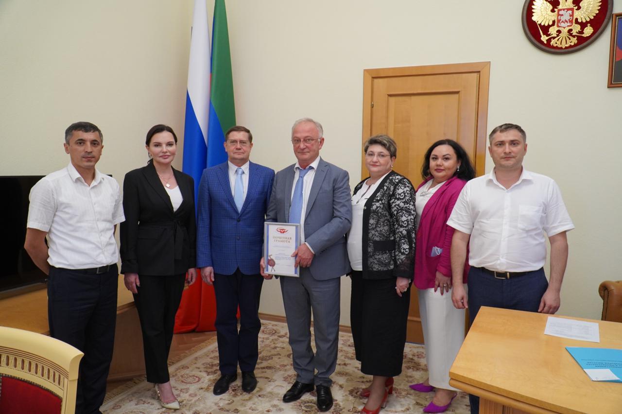 Правительство РД и Профсоюз работников здравоохранения РФ продолжат сотрудничество в реализации программ поддержки медиков